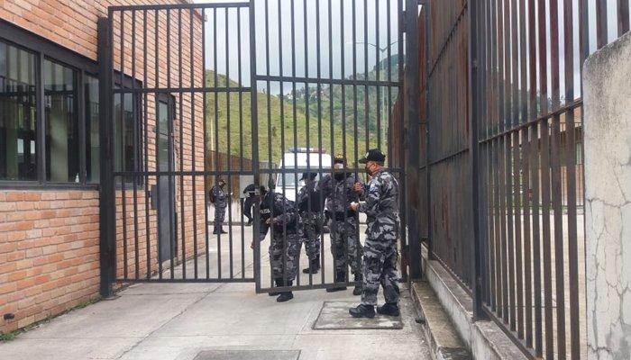 Ecuador's three prisons riot, killing 75 prisoners