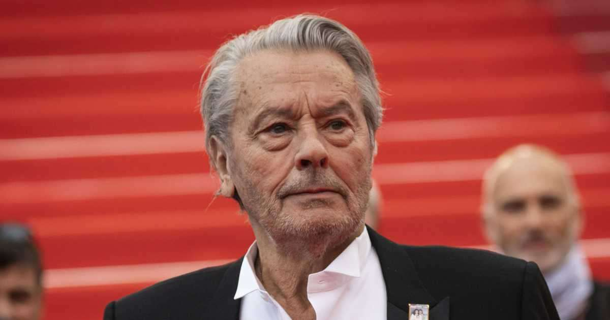 Alain Delon Biography, Facts & Life Story Updated 2021