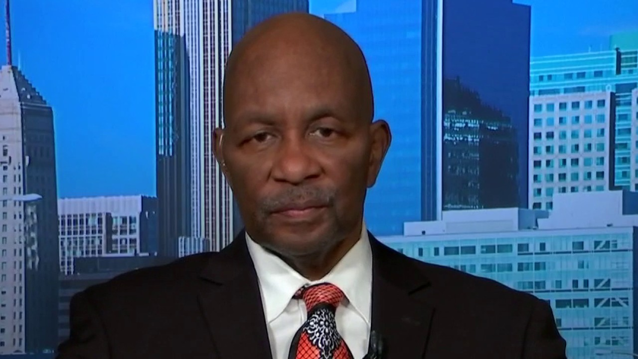 Former gang member joins FOX News to discuss racial tensions in US
