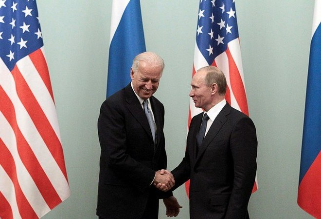 Tensions rise, Russia imposes sanctions on top US officials