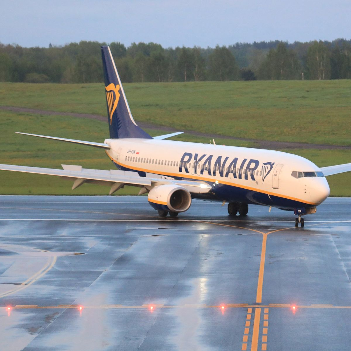 """Outrage as Ryanair plane """"hijacked"""" by Belarus to arrest dissident journalist"""