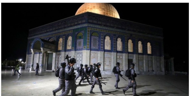 Al-Aqsa Mosque clashes with Israeli police, more than 150 Palestinians injured